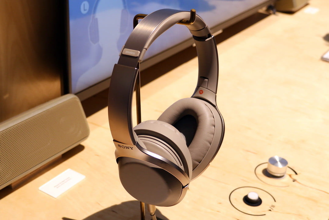 sony mdr 1000x noise canceling headphones ifa 2016 unveils