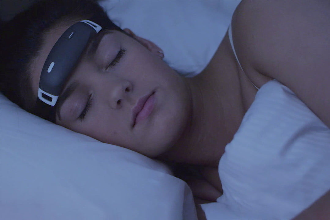 iband plus lucid dreaming wearable the  claims to help you dream lucidly