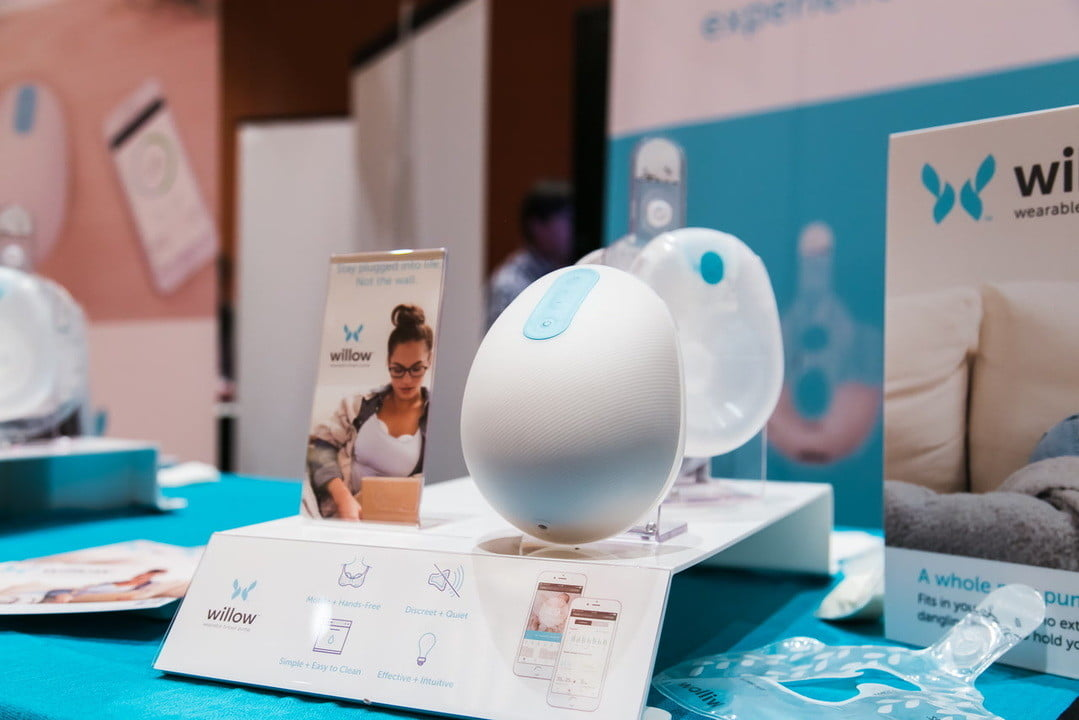 willow smart breast pump ces 2017 brings feeding into the 21st century