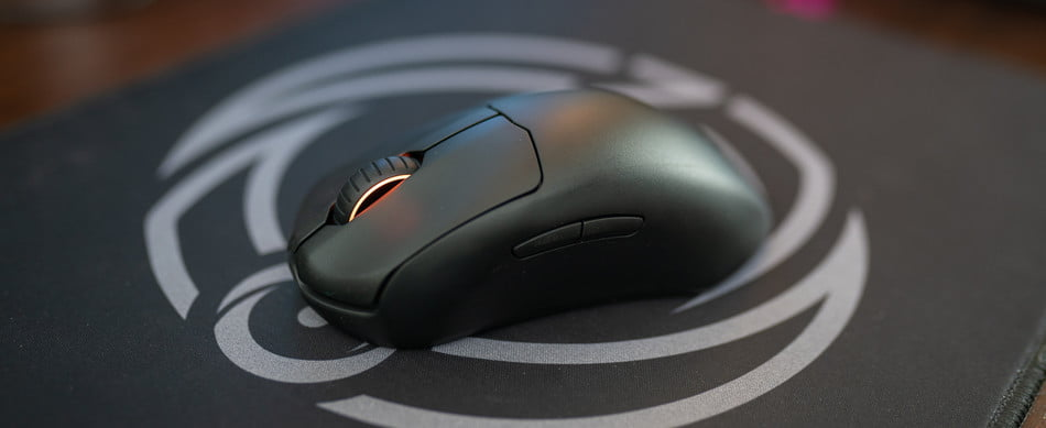 Steelseries Prime Wireless on a mousepad.