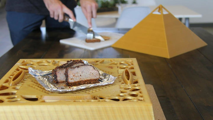 this is the worlds first 3d printed smart oven and its pretty cool project pyra