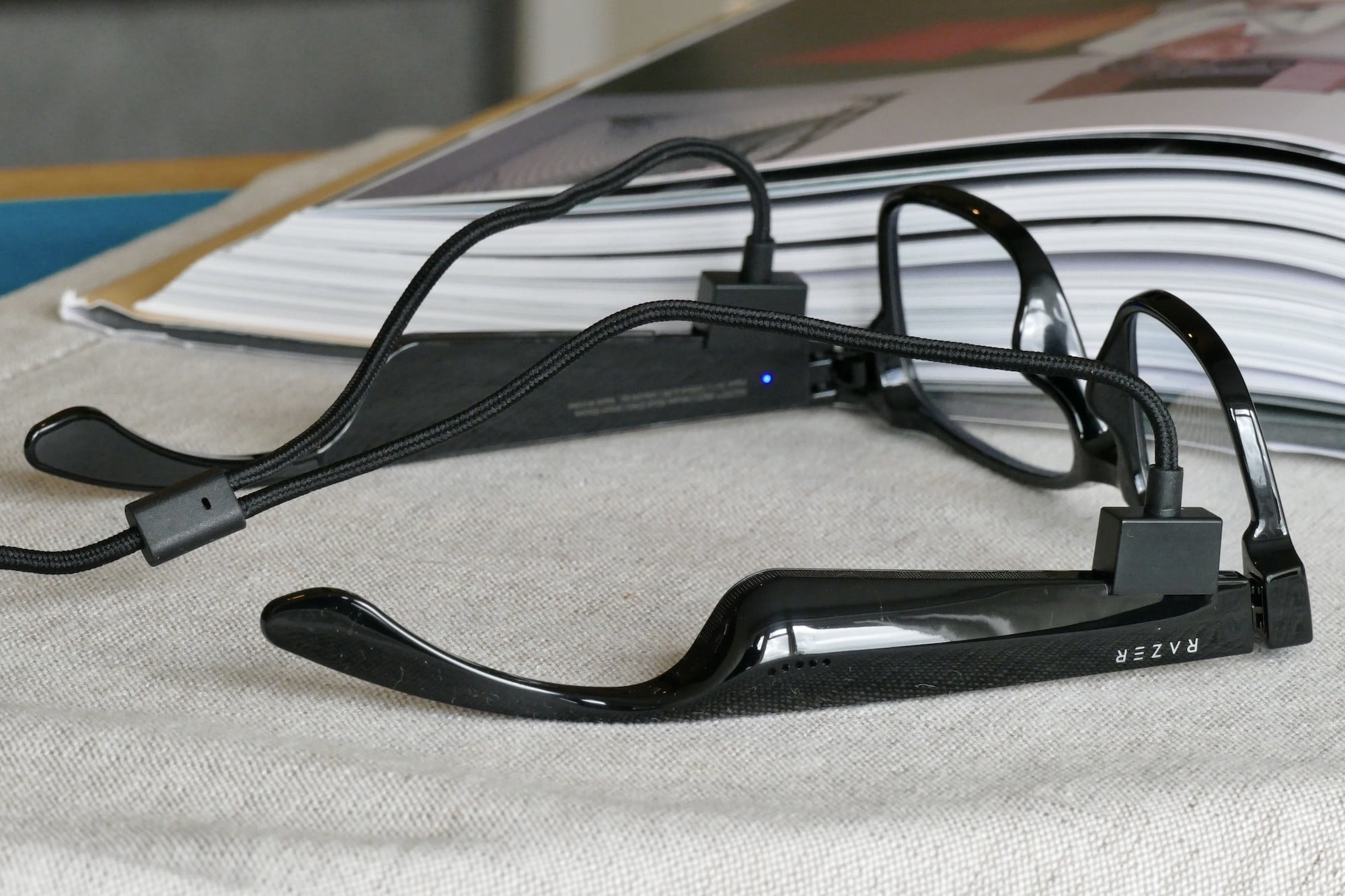 razer anzu smartglasses work best at home charging