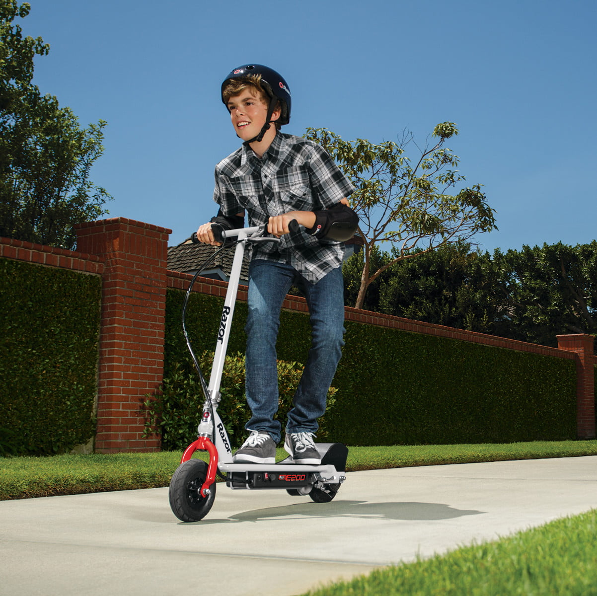 walmart slashes prices on electric bikes and razor e scooters for labor day e200 scooter