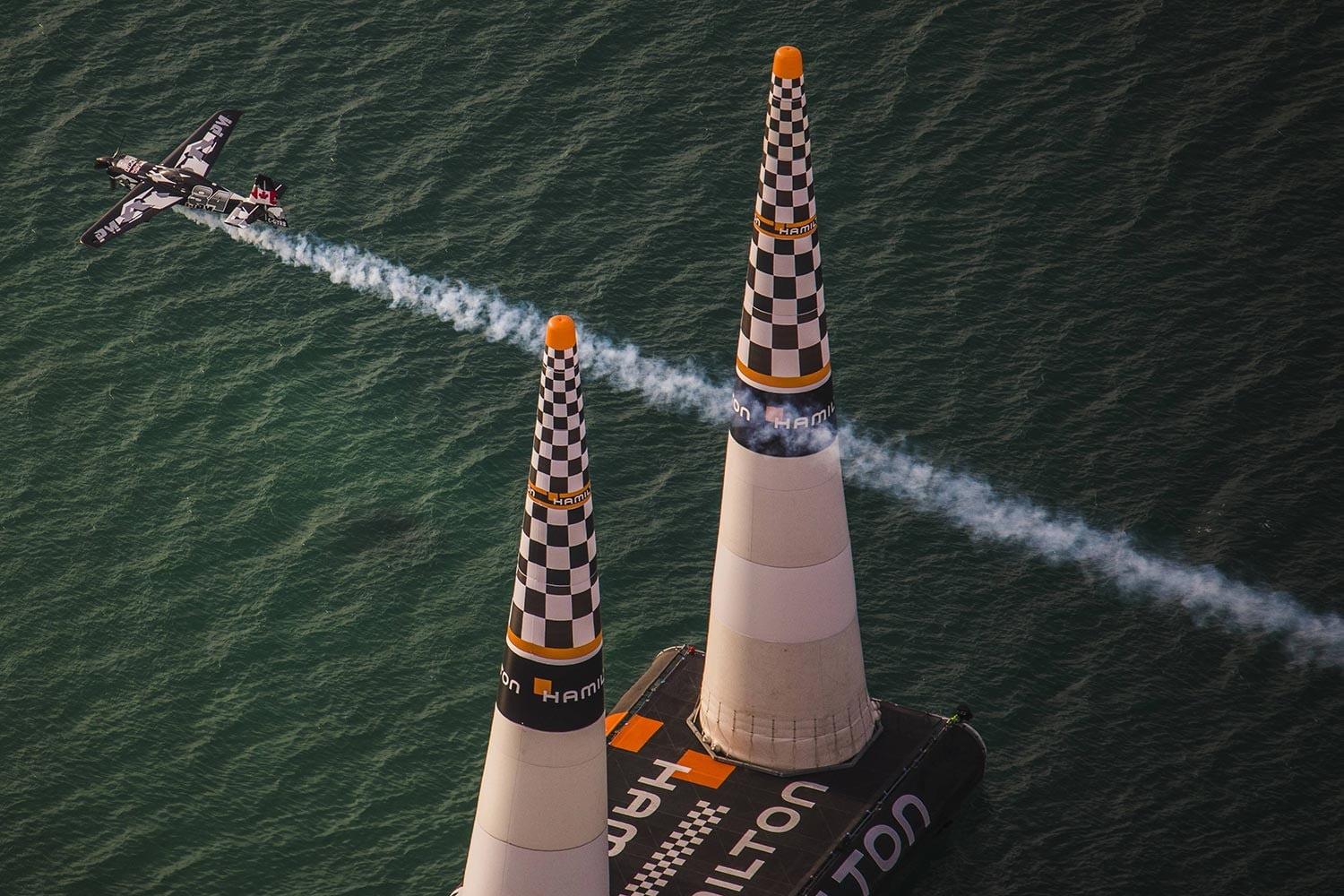judging red bull air races with tech race abu dhabi 1  daniel grund redbull content pool