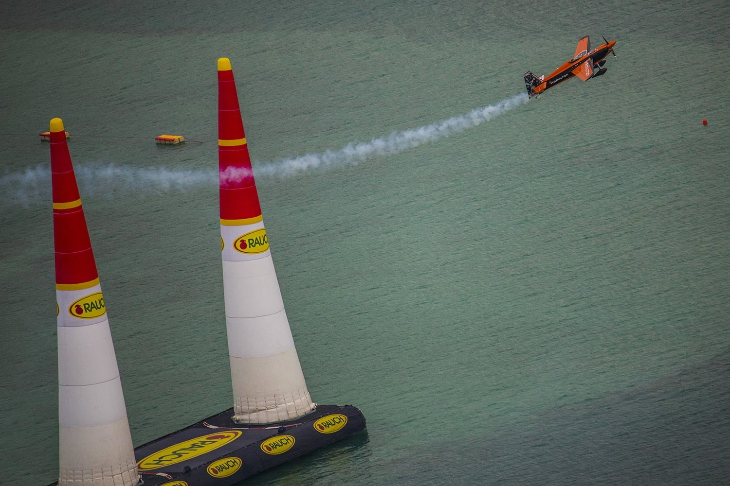 judging red bull air races with tech race abu dhabi 4  daniel grund redbull content pool