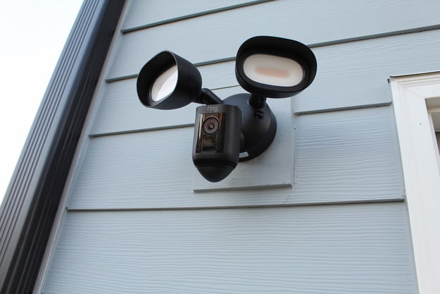 ring floodlight cam wired pro review 01