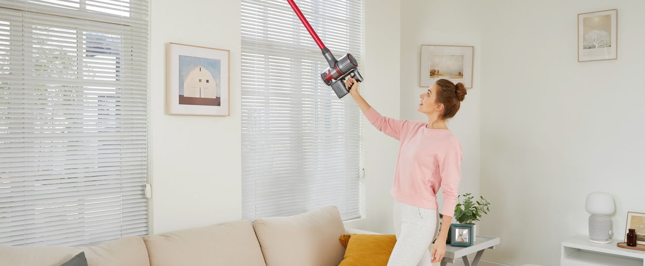 roborock h7 both vacuum cleaner and mop cordless lifestyle 3 of 4