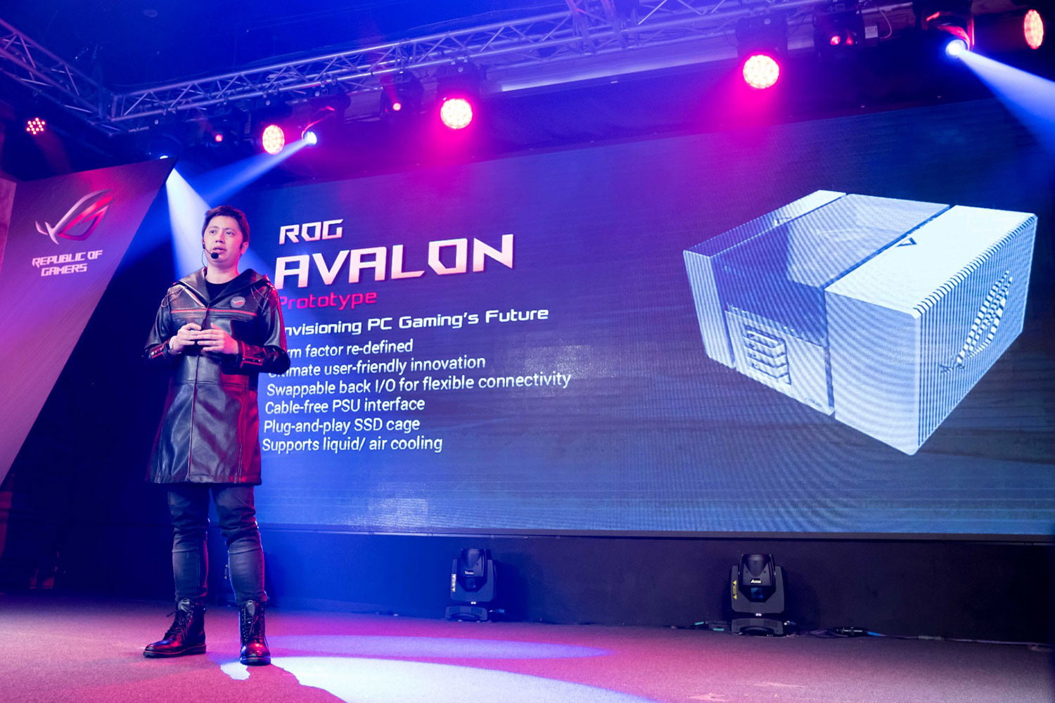 asus rog computex marketing direct derek yu unveiled the avalon  a prototype motherboardchassi