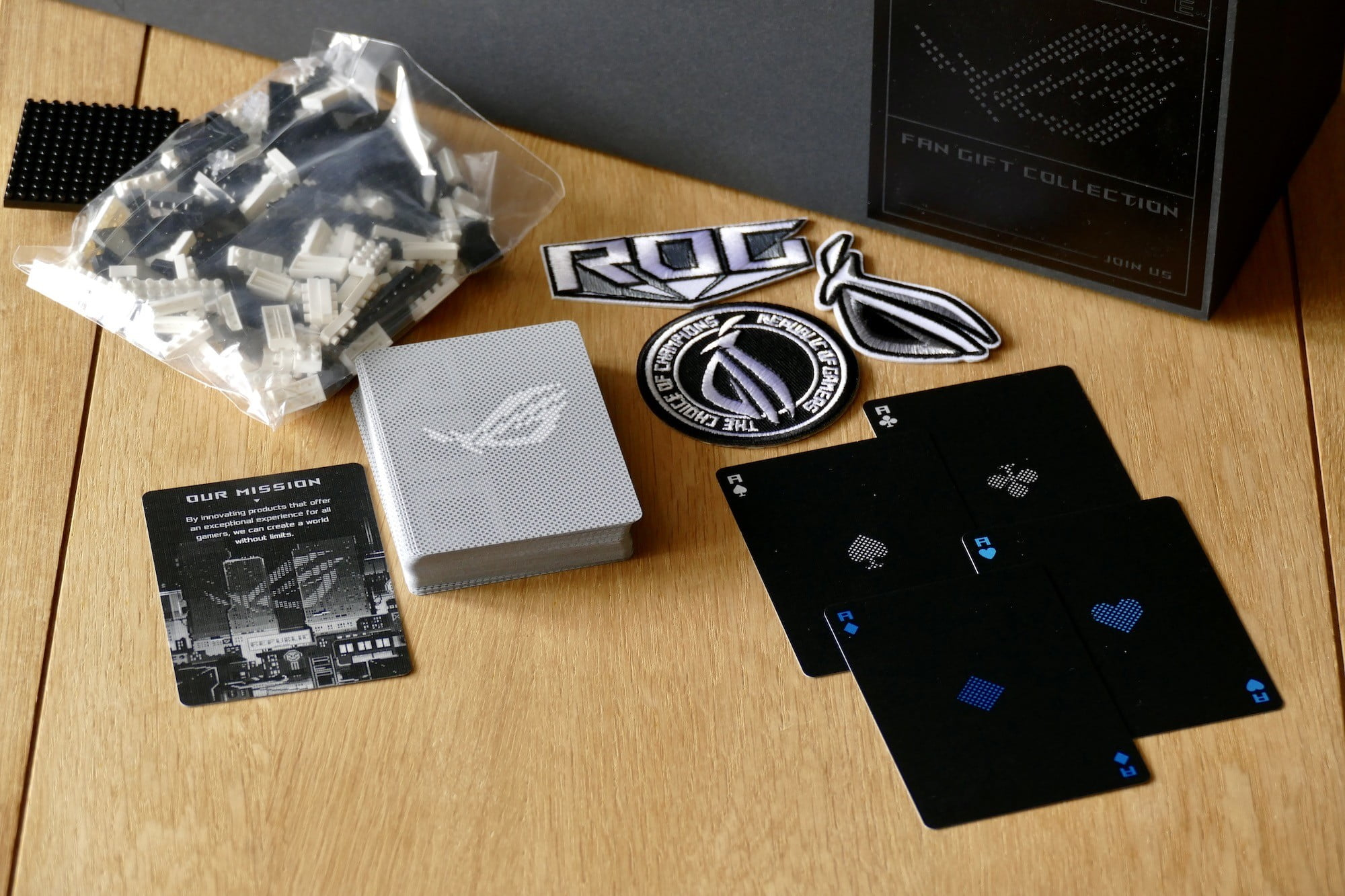 asus rog phone 5 ultimate fan gift package gifts