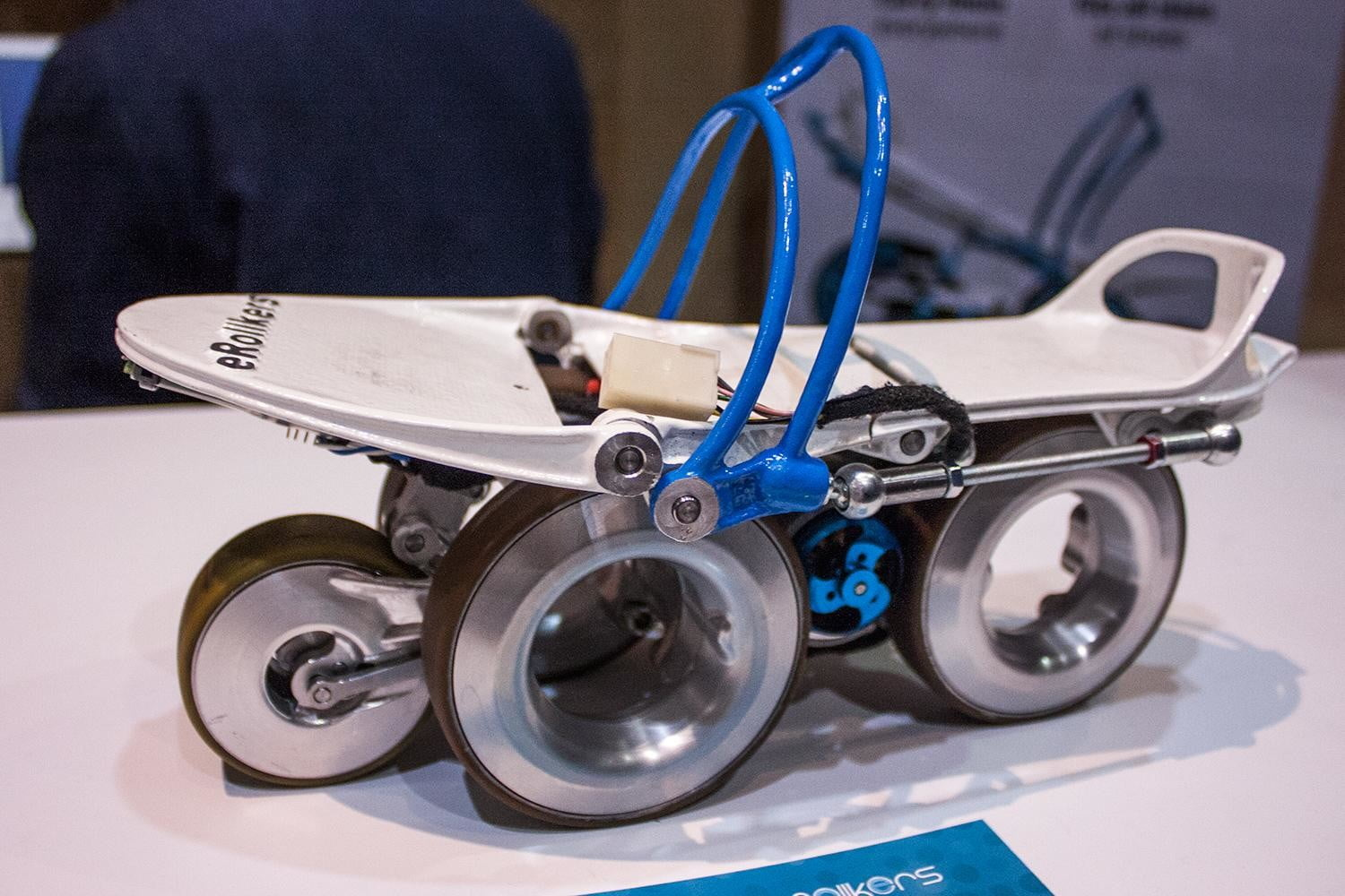 rollkers electronic skates let move 7 mph just walking