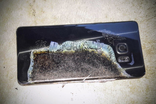 why do batteries explode samsung galaxy note 7 exploding 640x0