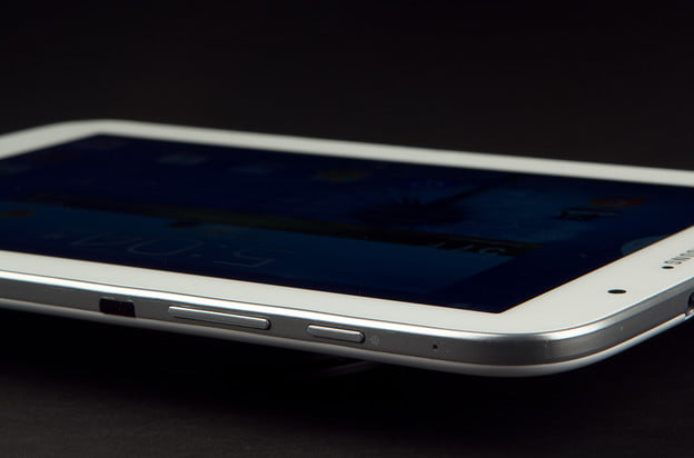 Samsung-Galaxy-Note-8.0-Review-power-button