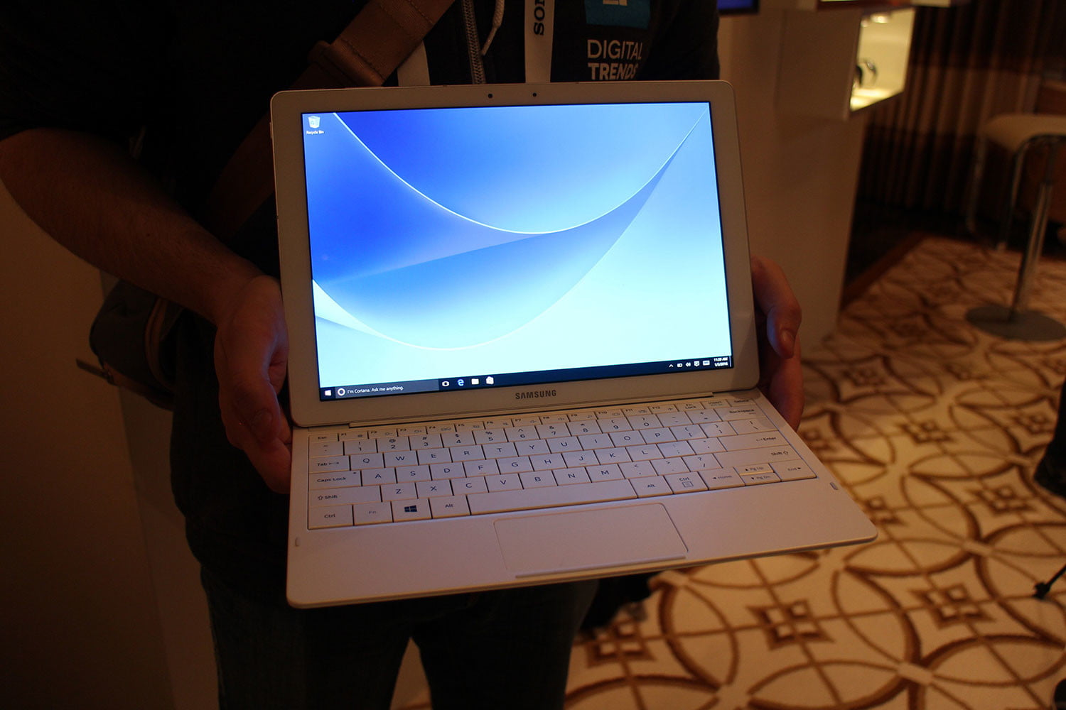 samsung tabpro s hands on ces 2016 galaxy 9784
