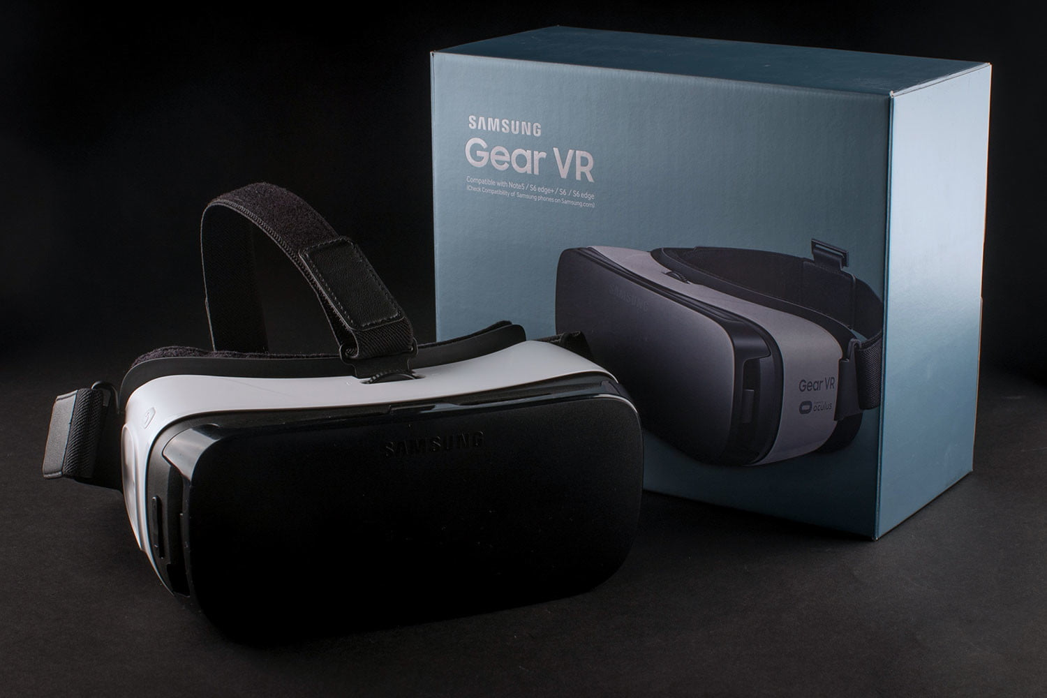 high tech valentines day gifts for the man in your life samsung gear vr box