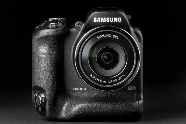 Samsung WB2200F front