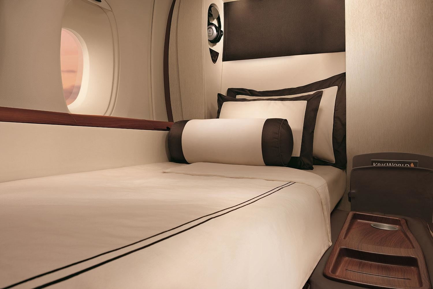 best first class airlines seats singapore airline suite 2