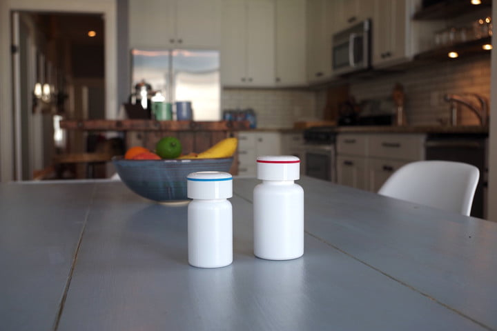 pillsy smart pill botle vitamins with fruit