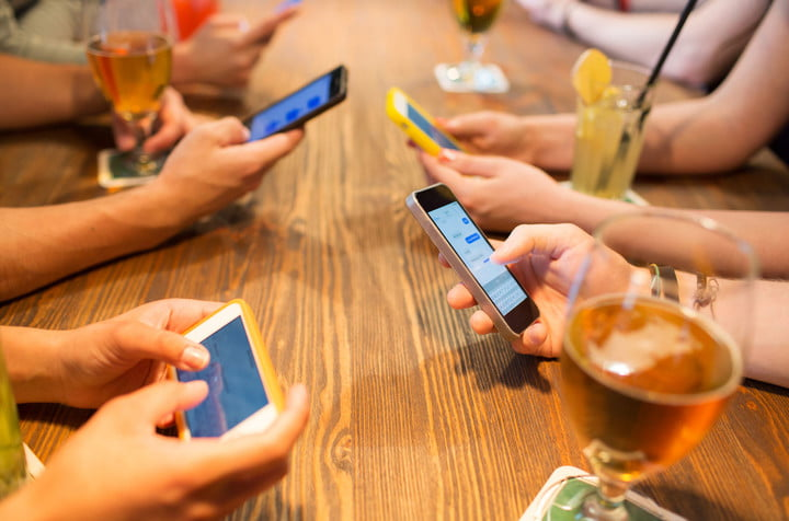 phones at table
