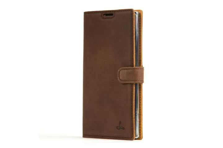 Photo shows a Samsung Galaxy Note 10 in a vintage chestnut brown leather wallet case from Snakehive