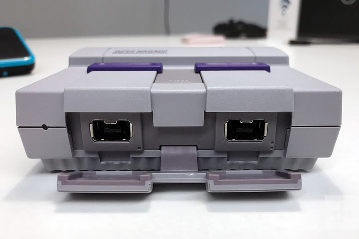 SNES Classic hands on review rear ports