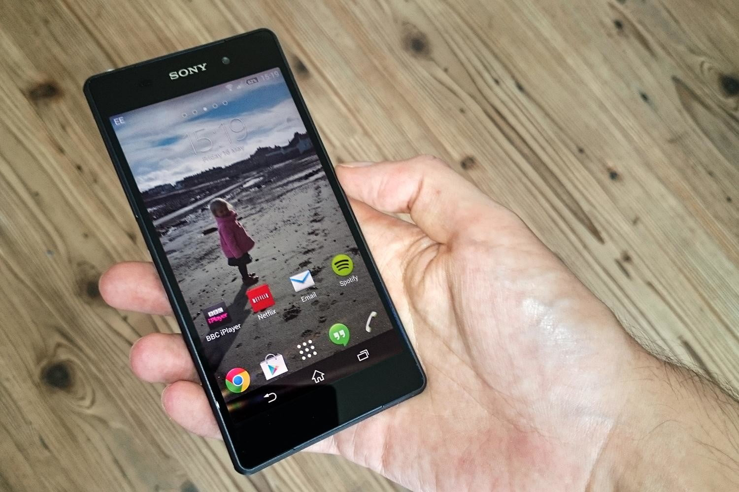 Sony Xperia Z2 review front screen