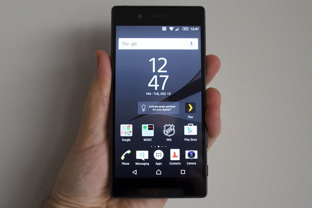 sony xperia z5 review in hand