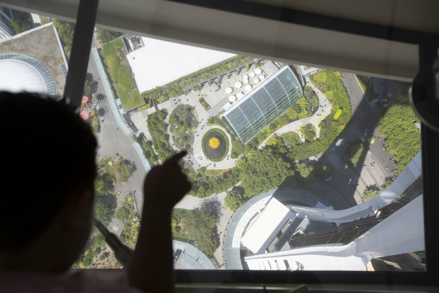 seattle space needle now has a revolving glass floor 6
