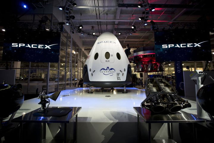 spacex astronaut