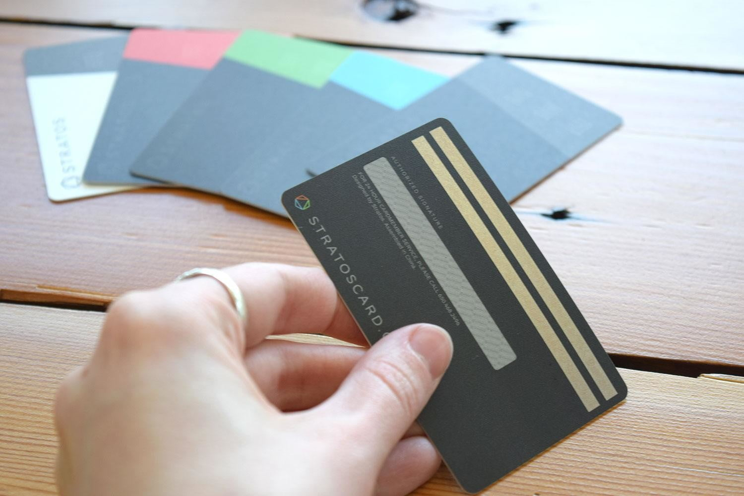stratos smart credit card review back
