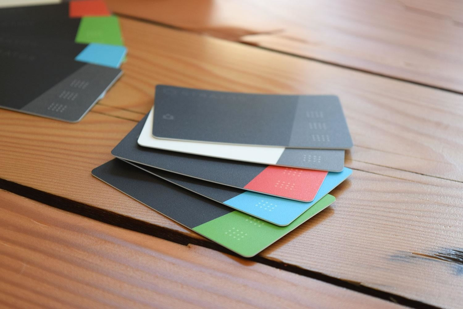 stratos smart credit card review front sides