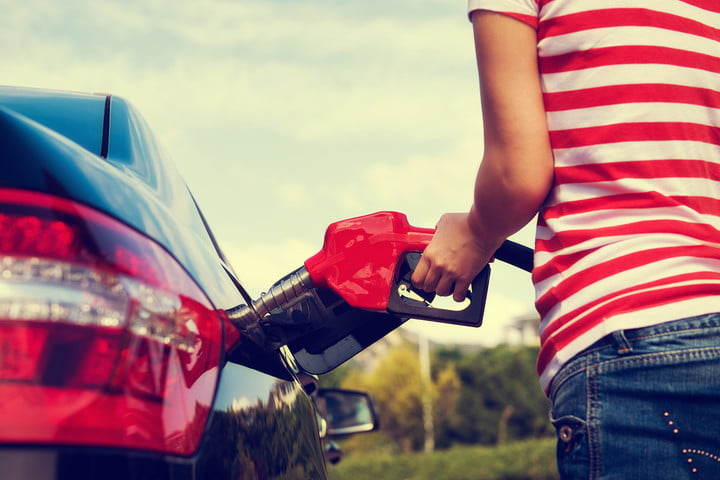 how to save money on gas summer price tips