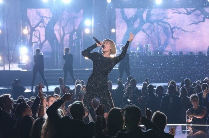 why certain songs get stuck in your head taylor swift grammys 2016