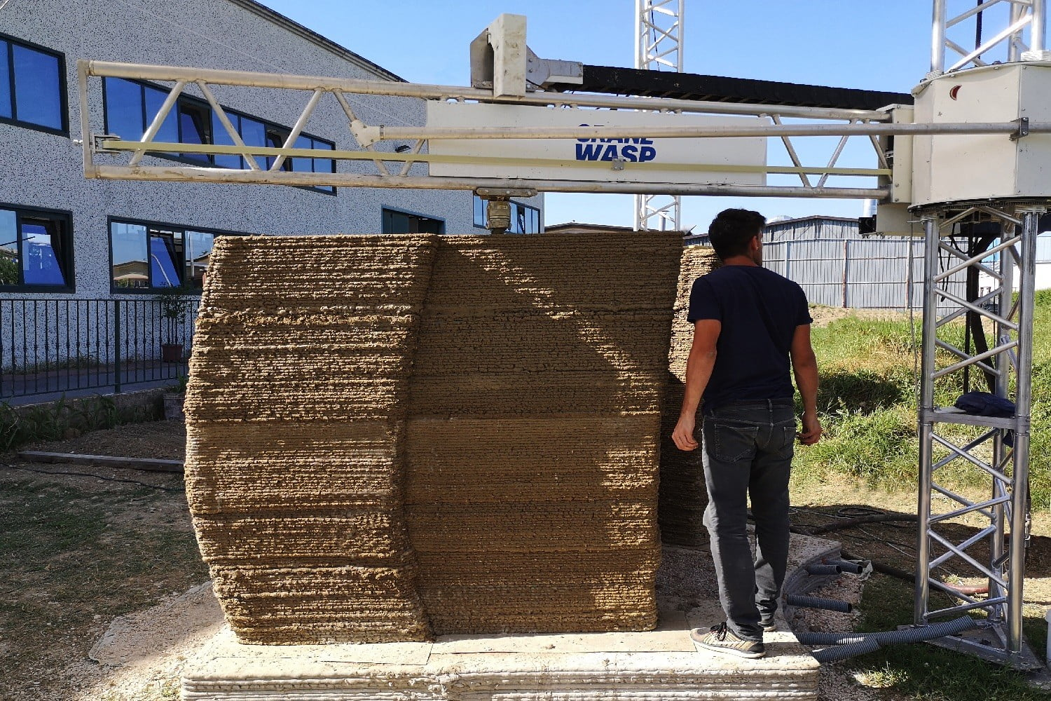 3d printed wasp nest house tecla earth wall section by crane img1
