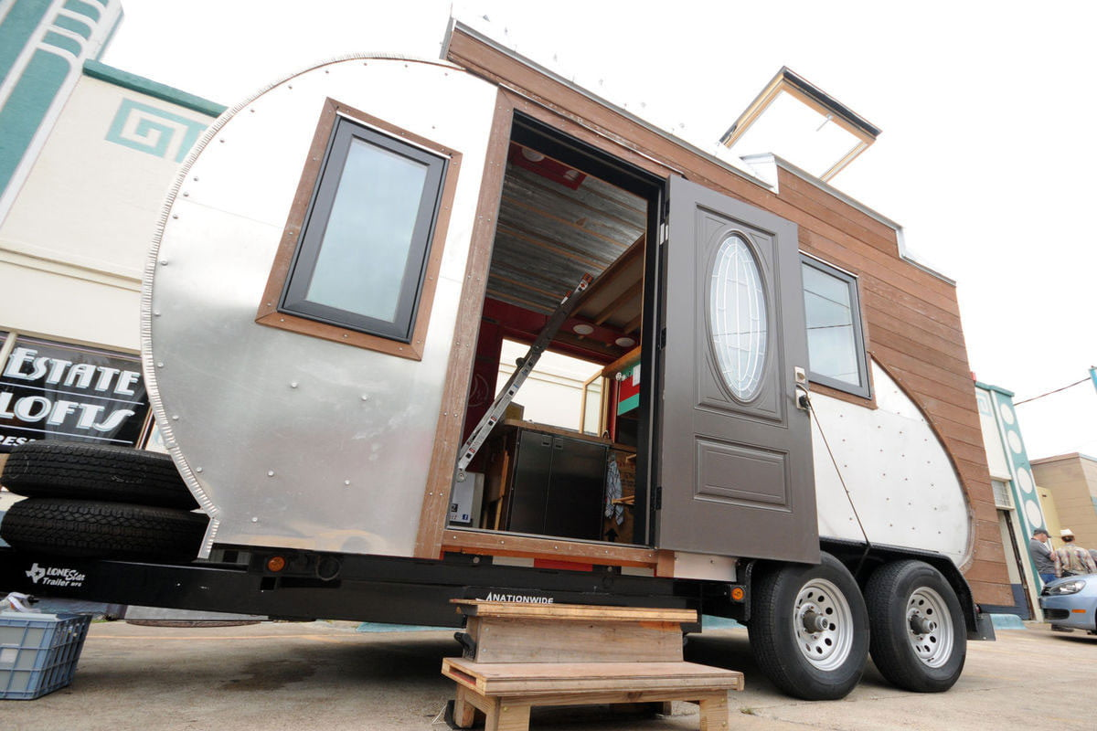 tiny drop home on wheels tend building 001