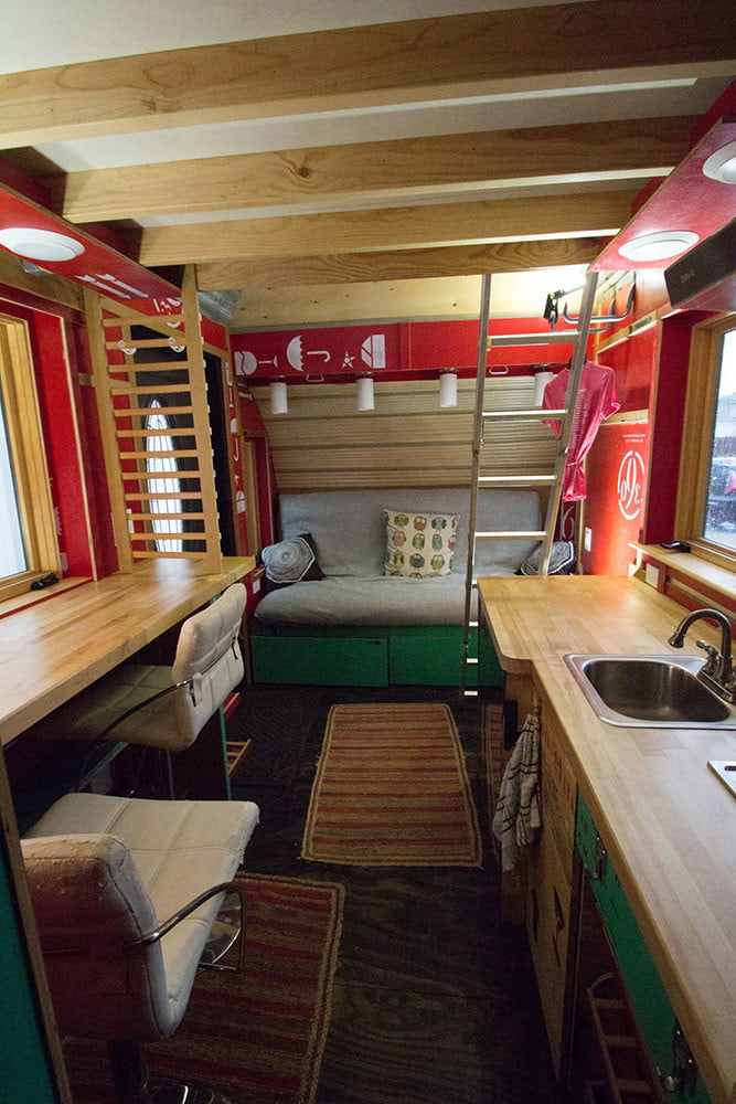 tiny drop home on wheels tend building 0016