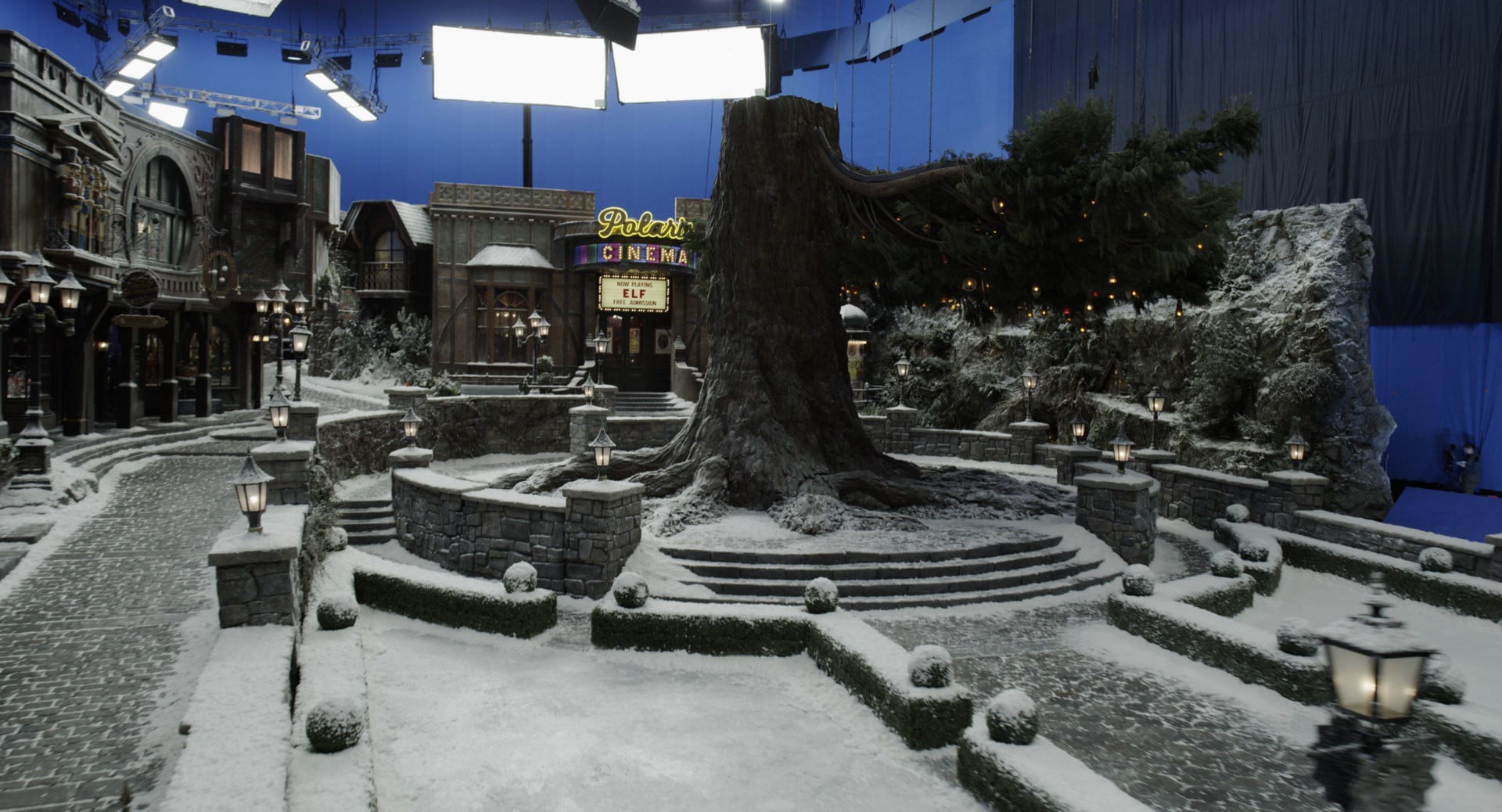 christmas chronicles 2 visual effects interview weta digital the village 1