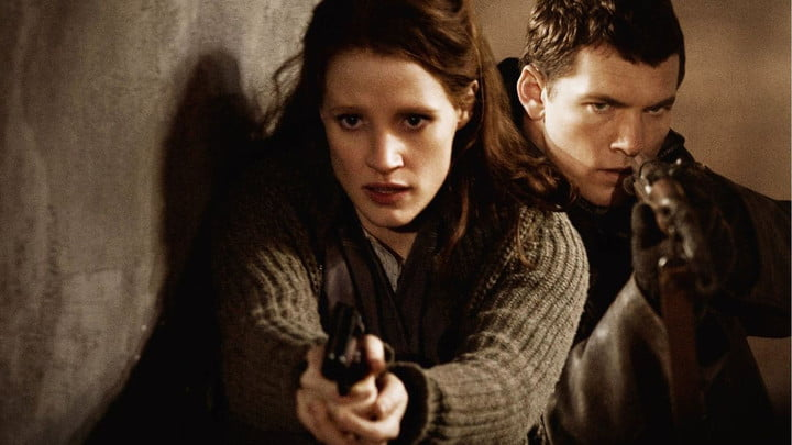 Jessica Chastain and Sam Worthington in The Debt.