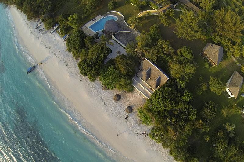 retreat from society and relax in these idyllic cabins around the world manta resort 3