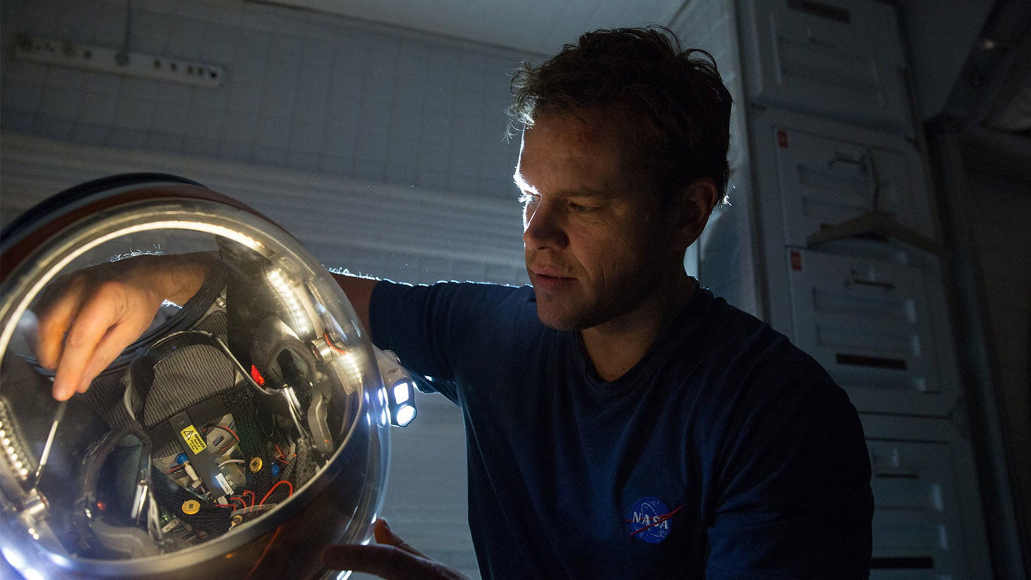 the martian review movie 007