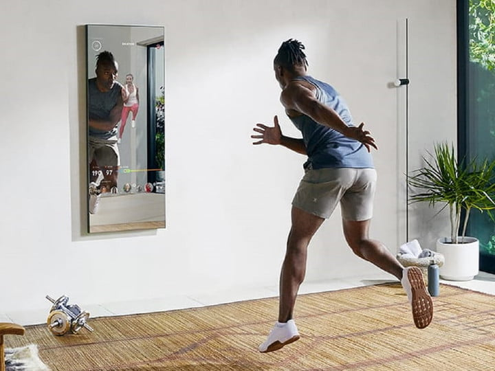 A workout using The Mirror.
