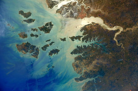 Check out these awesome Earth photos taken by a current ISS astronaut