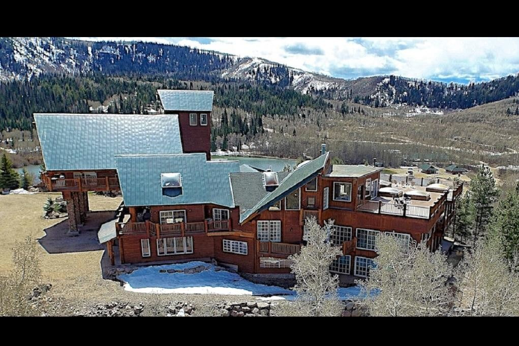 retreat from society and relax in these idyllic cabins around the world timber moose lodge 3