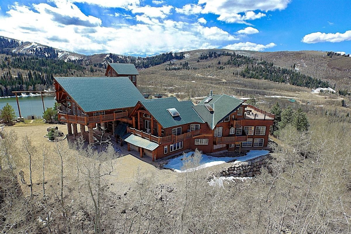 retreat from society and relax in these idyllic cabins around the world timber moose lodge 6