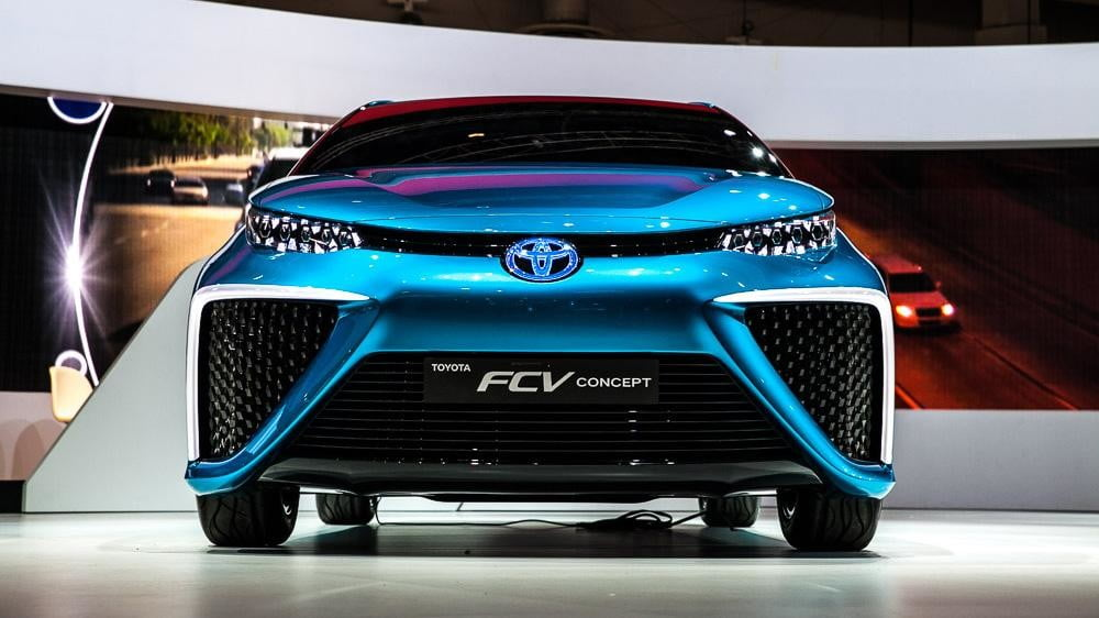 wait toyota releasing first hydrogen powered production vehicle december fuel cell 1