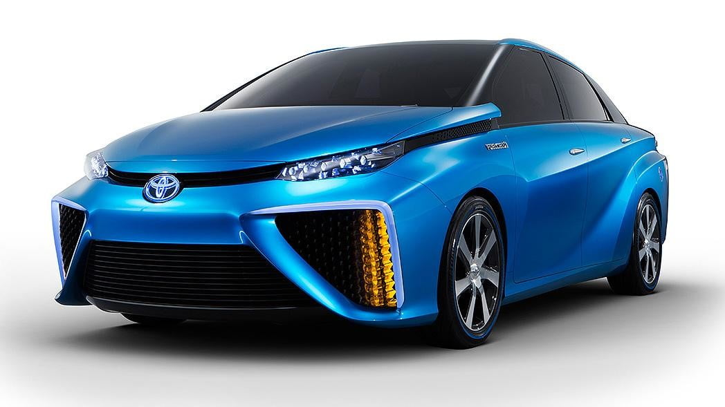 wait toyota releasing first hydrogen powered production vehicle december fuel cell 5