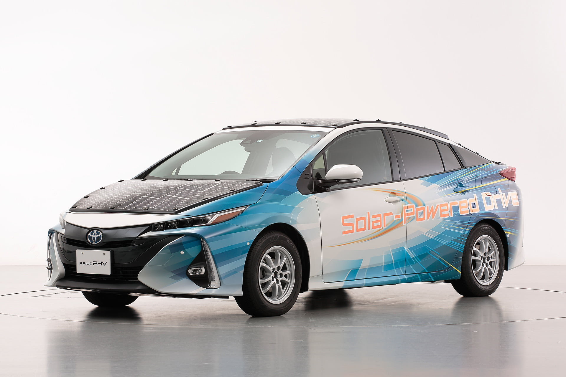 toyota has covered a prius in solar cells to add 27 miles its range 2
