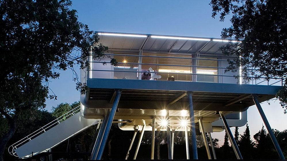 the prefab spaceship house looks like it came from space ufo 12