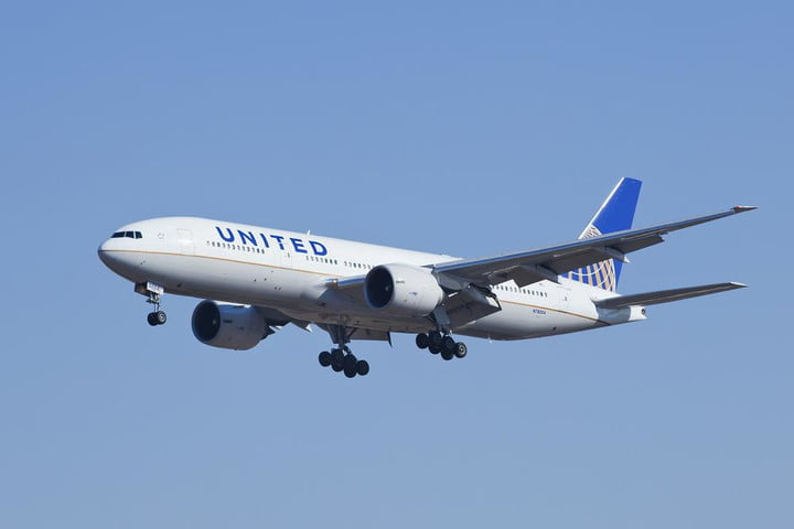 united airlines ready to make the first poop powered passenger flight