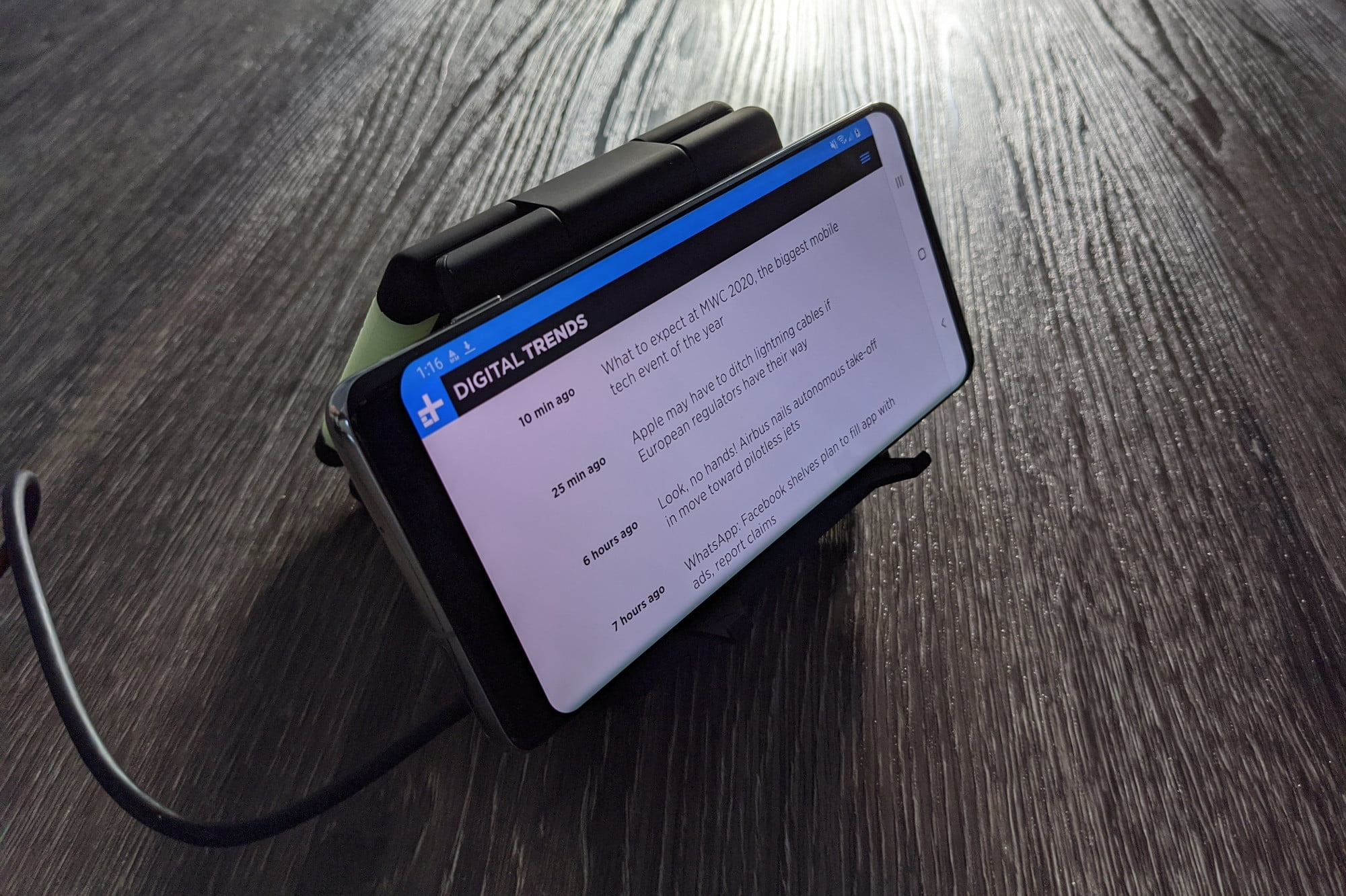 Unravel Wireless Charger