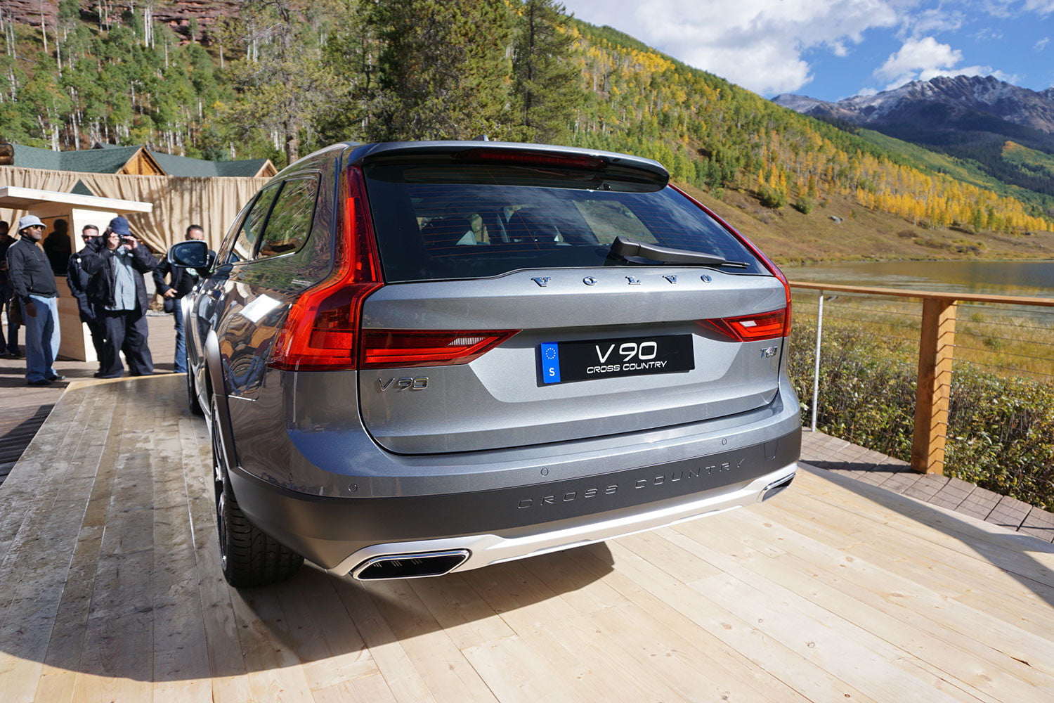 volvo v90 cross country news specs pictures 015